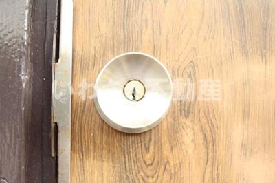 玄関ドア鍵部分