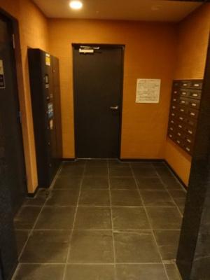 コアマンションフリージオ上野 宅配ボックス&メールボックス