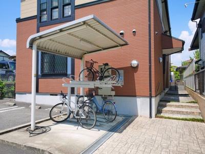 屋根付きの便利な駐輪場です