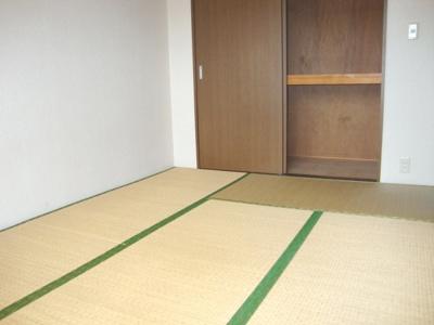 【寝室】ローズガーデンA