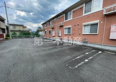 【駐車場】ウッズ・スクエアーB