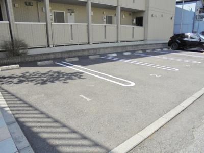 【駐車場】アネーロ・チヨ