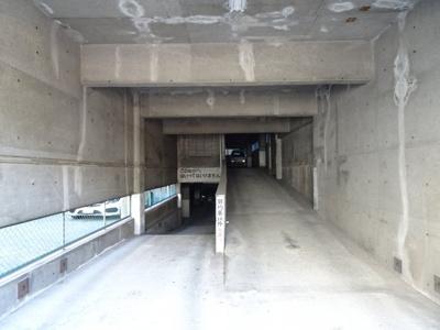 タカアキ車庫 入口