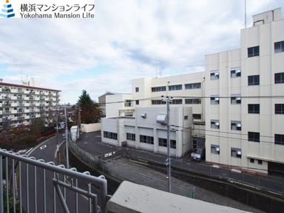 5階建ての4階部分ですので、眺望良好です