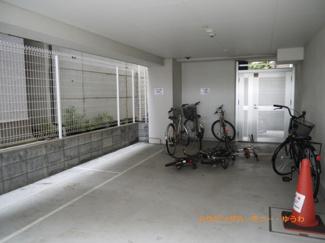 建物内に、専用駐輪場があります。