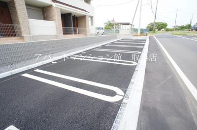 【駐車場】ケイ・モアール