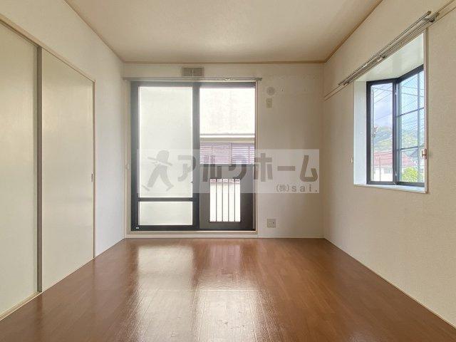 【内装】パナメゾンアオキ