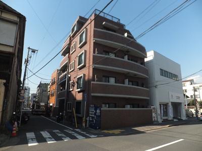 2006年築。鉄筋コンクリート造5階建て