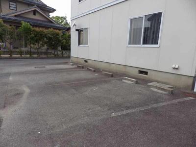 【駐車場】ロジュマンユリB