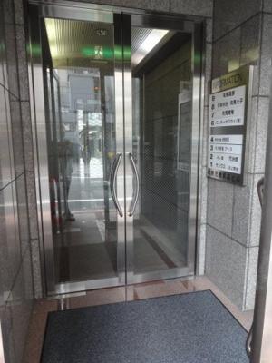 【エントランス】伊勢元総本店ビル
