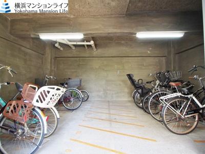 駐輪場完備です。