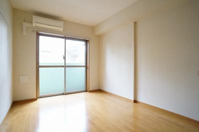 明るいお部屋はやっぱり気持ちよいですね!