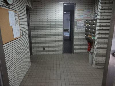 【エントランス】上野ローリエハイツ