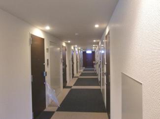 ホテルのような内廊下は安心感がありますね