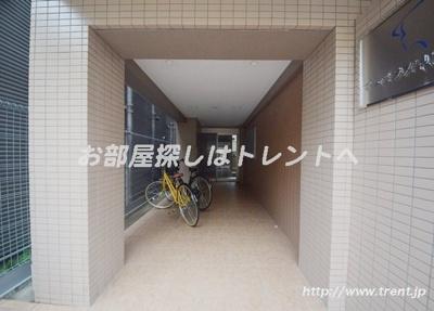 【エントランス】マーベラス早稲田鶴巻町