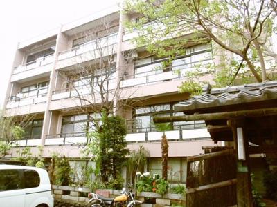 西郷山マンションの外観です。