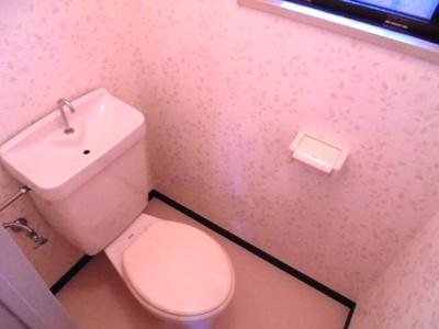 トイレに窓有り★