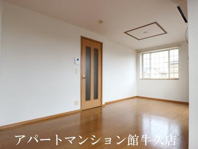 【居間・リビング】レジデンスさくら台C