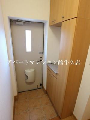 【玄関】グリシーヌ・パレ