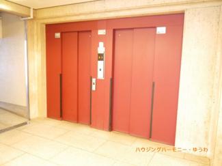 エレベーター2基で、忙しい時間帯も安心です。