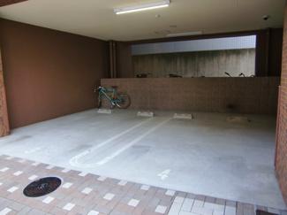 平面駐車場は駐車も楽です。プレサンスNAGOYA桜通ビッグビート