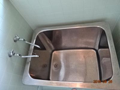 窓がお風呂についていてバストイレ別なのもうれしいですね!