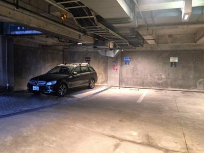 【駐車場】ロイヤルパーク芦屋