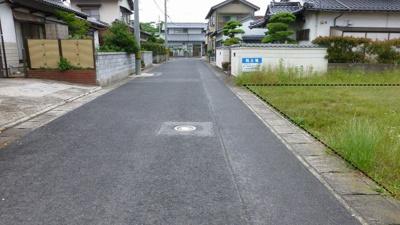 【前面道路含む現地写真】富益町売り土地