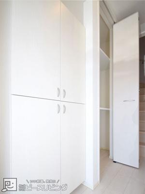 シューズボックス・玄関収納※同間取り別室の写真です。