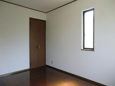 ヴィラ・デラエステの洋室2