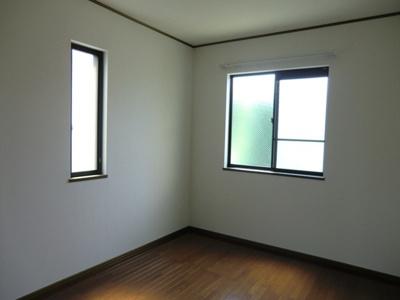 ヴィラ・デラエステの洋室3