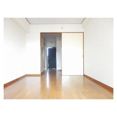 グランデール松波の洋室2