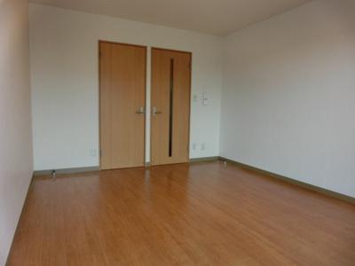 中宇マンションの洋室
