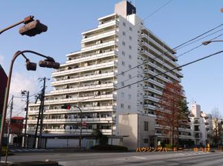 有楽町線「千川」駅より徒歩1分の好立地。管理体制良好な新規内装リノベーションマンションです。