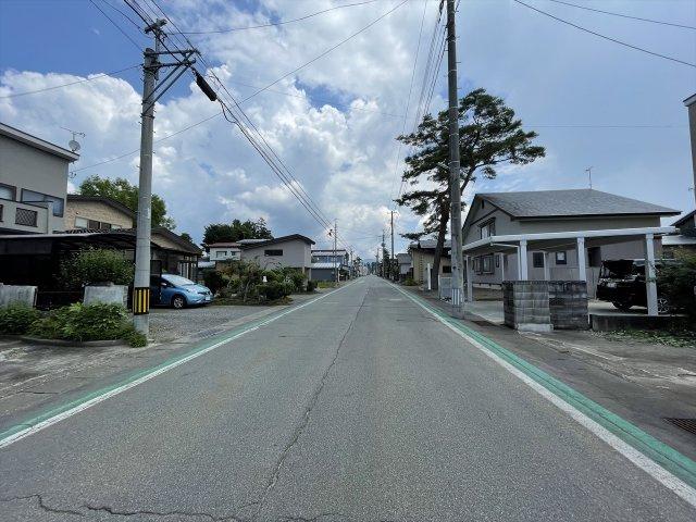 仙北郡美郷町六郷 南側道路 日当たりメリットを考慮した建物配置が可能です 土地100坪以上