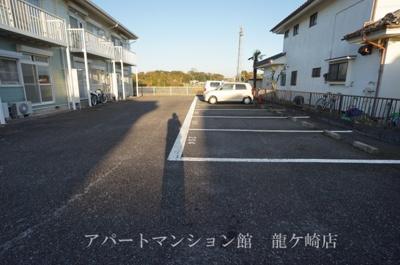 【駐車場】桜荘