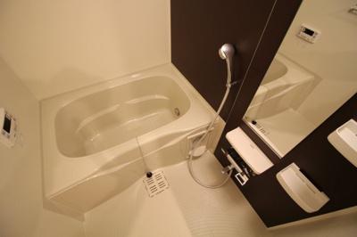 【浴室】エッセンティア新長田