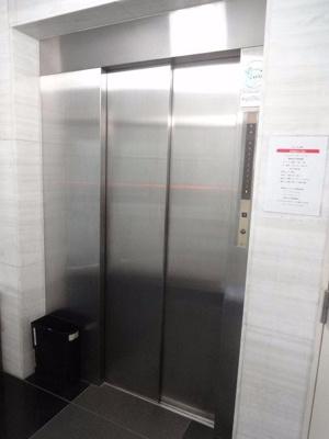 アズール上野 エレベータ