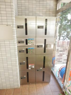 ユ-チャリス東林間の宅配ボックス