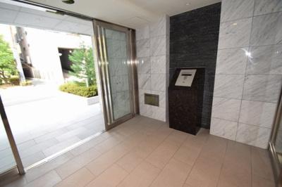 【エントランス】プレサンス江戸堀