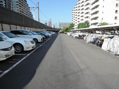 バイク置場、駐車場