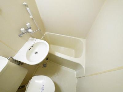 コンパクトなお風呂はお掃除も手軽にできます