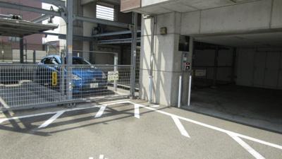 機械式の駐車場2台分確保してます!