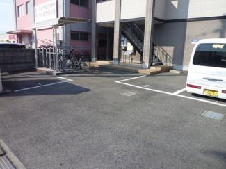 【駐車場】ファインコートⅡ番館