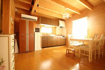 【内装】西竹之丸戸建スウェーデン式ログハウス