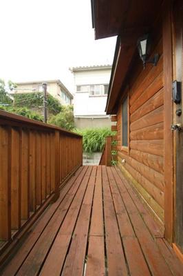 【エントランス】西竹之丸戸建スウェーデン式ログハウス
