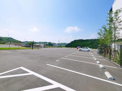 【駐車場】K-TERRACE学研奈良登美ヶ丘 北