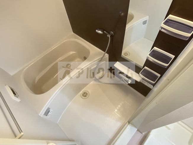 清潔感のあるバスルームには