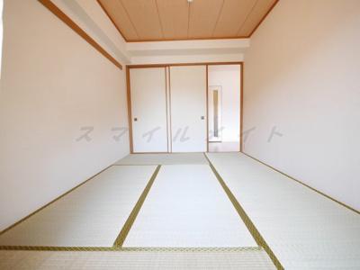ゴロゴロ過ごせる和室のお部屋です。