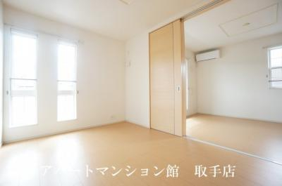 【居間・リビング】オリエンタル・ヴィラ